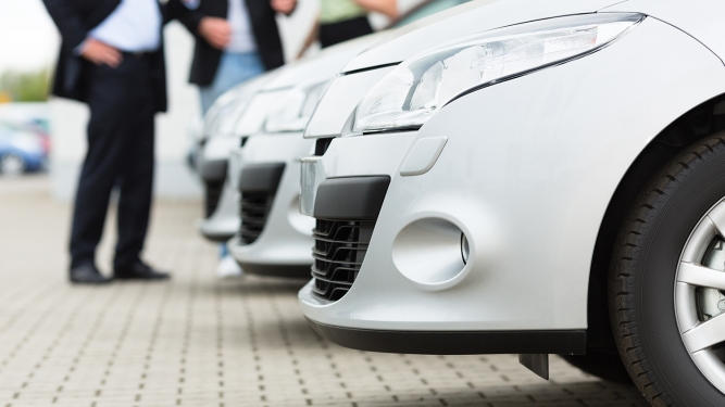 White Paper: The Best of Both Worlds: Integrating Online and Offline Sales Processes is Key to Dealership Longevity